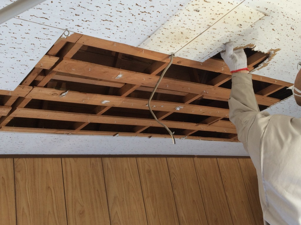 【DIY】素人でも大丈夫!天井の剥がし方【ワークショップ】