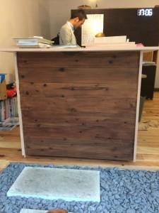 【塗装編】DIY初心者でも簡単に出来るカウンターテーブルの作り方